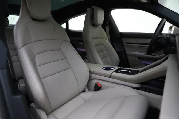Used 2021 Porsche Taycan 4S for sale $125,900 at Alfa Romeo of Westport in Westport CT 06880 21
