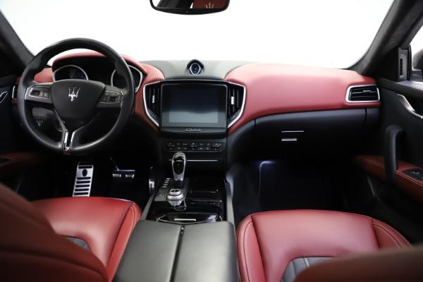 Used 2018 Maserati Ghibli SQ4 GranLusso for sale $55,900 at Alfa Romeo of Westport in Westport CT 06880 11