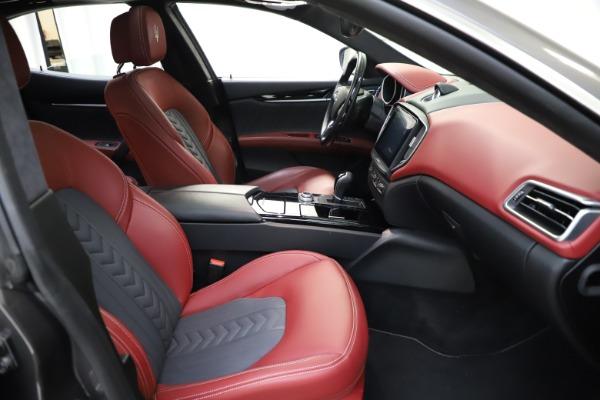 Used 2018 Maserati Ghibli SQ4 GranLusso for sale $55,900 at Alfa Romeo of Westport in Westport CT 06880 17