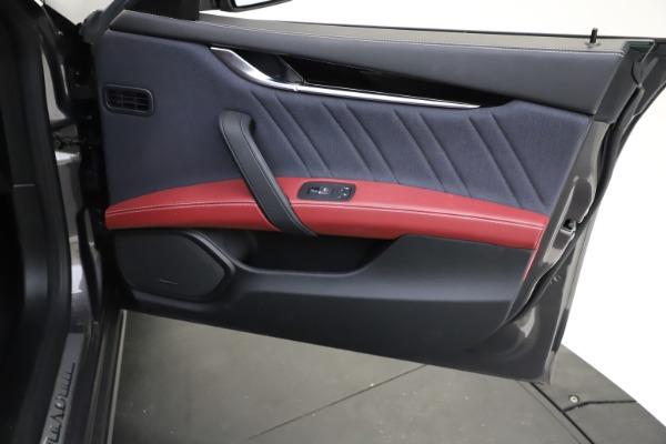 Used 2018 Maserati Ghibli SQ4 GranLusso for sale $55,900 at Alfa Romeo of Westport in Westport CT 06880 18