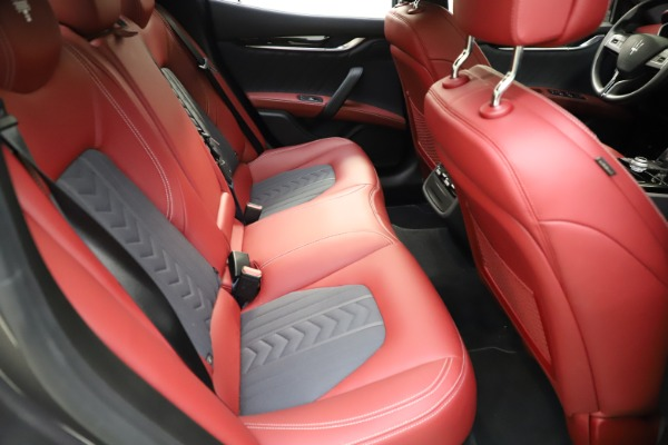 Used 2018 Maserati Ghibli SQ4 GranLusso for sale $55,900 at Alfa Romeo of Westport in Westport CT 06880 20