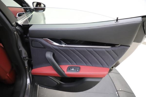 Used 2018 Maserati Ghibli SQ4 GranLusso for sale $55,900 at Alfa Romeo of Westport in Westport CT 06880 21