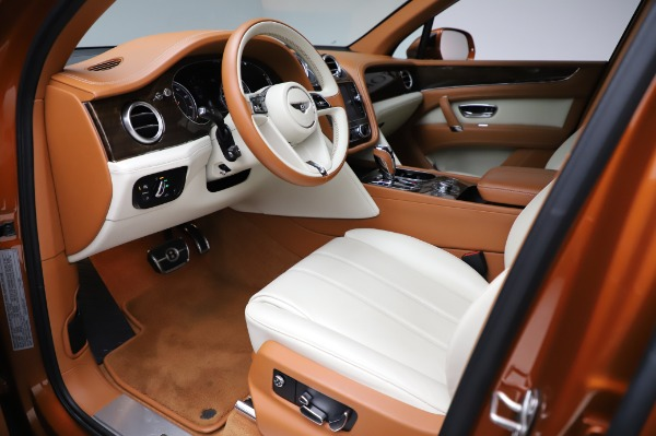 Used 2018 Bentley Bentayga Onyx Edition for sale $149,900 at Alfa Romeo of Westport in Westport CT 06880 17