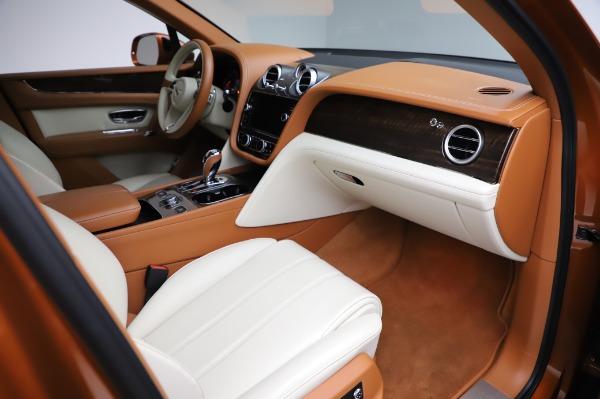 Used 2018 Bentley Bentayga Onyx Edition for sale $149,900 at Alfa Romeo of Westport in Westport CT 06880 25
