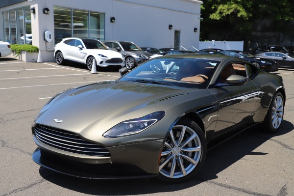 Used 2018 Aston Martin DB11 V8 for sale $151,900 at Alfa Romeo of Westport in Westport CT 06880 24