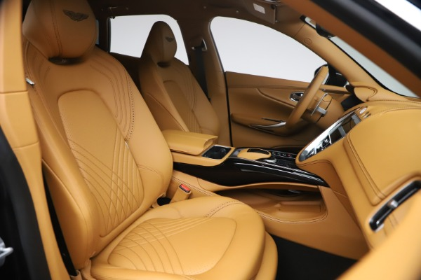 New 2021 Aston Martin DBX for sale $207,886 at Alfa Romeo of Westport in Westport CT 06880 21