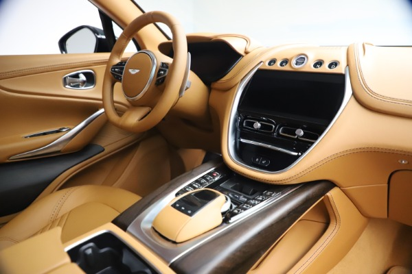 New 2021 Aston Martin DBX for sale $214,986 at Alfa Romeo of Westport in Westport CT 06880 18