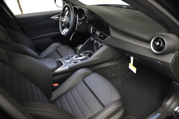 New 2021 Alfa Romeo Giulia Ti Sport Q4 for sale $53,750 at Alfa Romeo of Westport in Westport CT 06880 21