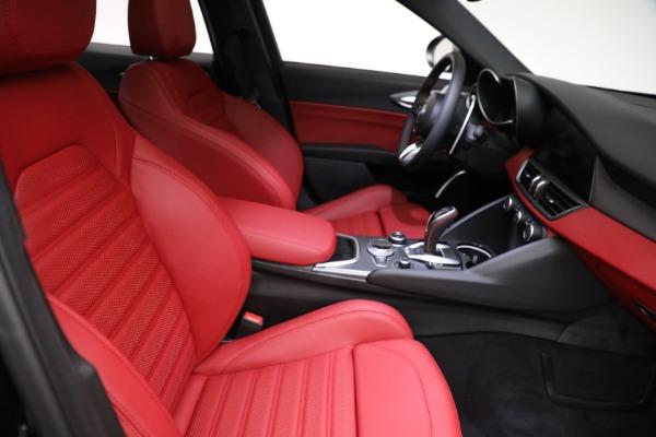 New 2021 Alfa Romeo Giulia Ti Sport Q4 for sale $54,050 at Alfa Romeo of Westport in Westport CT 06880 21