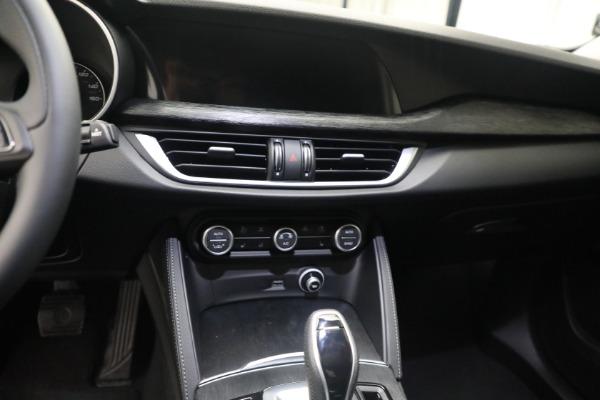 New 2021 Alfa Romeo Stelvio Q4 for sale $50,445 at Alfa Romeo of Westport in Westport CT 06880 18