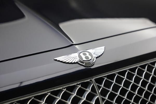 Used 2018 Bentley Bentayga W12 Signature for sale $149,900 at Alfa Romeo of Westport in Westport CT 06880 14
