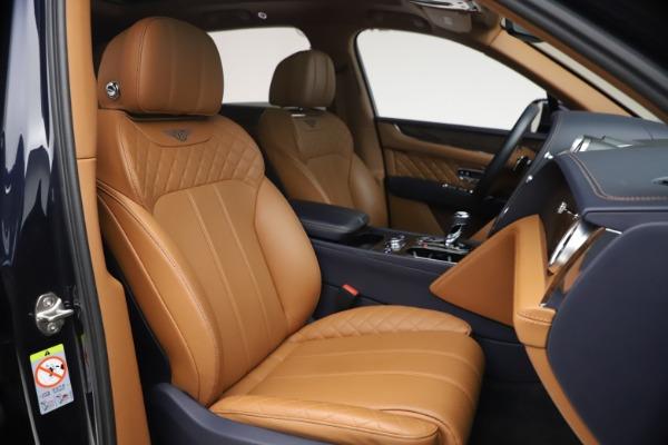 Used 2018 Bentley Bentayga W12 Signature for sale $149,900 at Alfa Romeo of Westport in Westport CT 06880 27