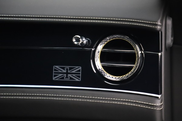 New 2020 Bentley Flying Spur First Edition for sale $276,070 at Alfa Romeo of Westport in Westport CT 06880 24