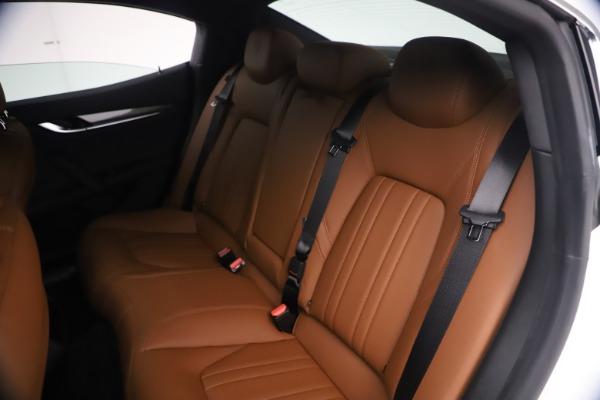 New 2021 Maserati Ghibli SQ4 for sale $85,804 at Alfa Romeo of Westport in Westport CT 06880 21