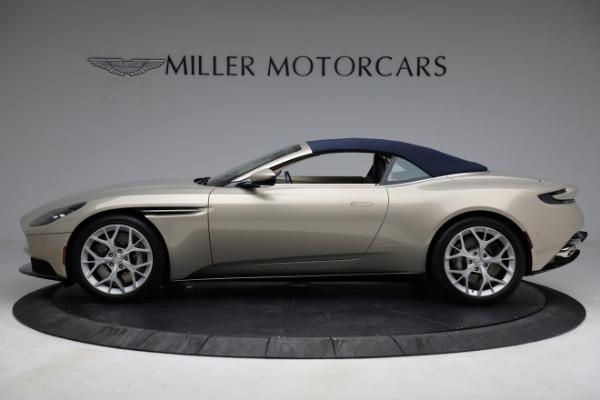 Used 2019 Aston Martin DB11 Volante for sale $209,900 at Alfa Romeo of Westport in Westport CT 06880 26