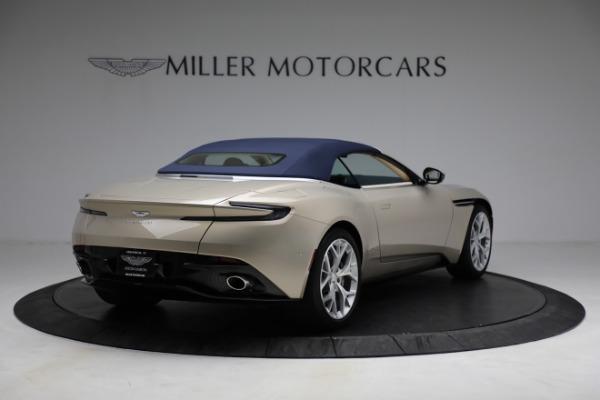 Used 2019 Aston Martin DB11 Volante for sale $209,900 at Alfa Romeo of Westport in Westport CT 06880 28