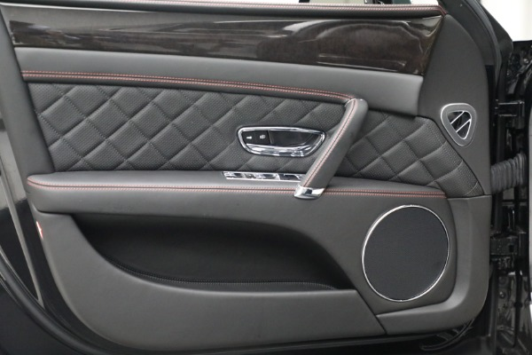 Used 2017 Bentley Flying Spur V8 for sale $136,900 at Alfa Romeo of Westport in Westport CT 06880 16