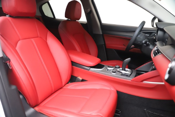 New 2021 Alfa Romeo Stelvio Ti Q4 for sale $53,740 at Alfa Romeo of Westport in Westport CT 06880 21