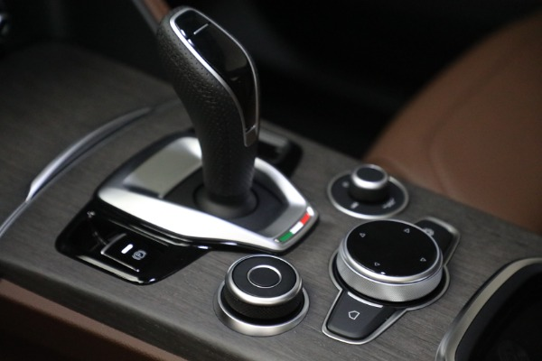 New 2021 Alfa Romeo Stelvio Ti Q4 for sale $54,840 at Alfa Romeo of Westport in Westport CT 06880 18