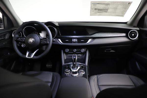 New 2021 Alfa Romeo Stelvio Q4 for sale $50,535 at Alfa Romeo of Westport in Westport CT 06880 19