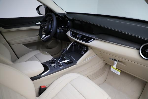 New 2021 Alfa Romeo Stelvio Ti Q4 for sale $55,205 at Alfa Romeo of Westport in Westport CT 06880 27