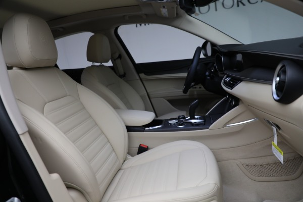 New 2021 Alfa Romeo Stelvio Ti Q4 for sale $55,205 at Alfa Romeo of Westport in Westport CT 06880 28