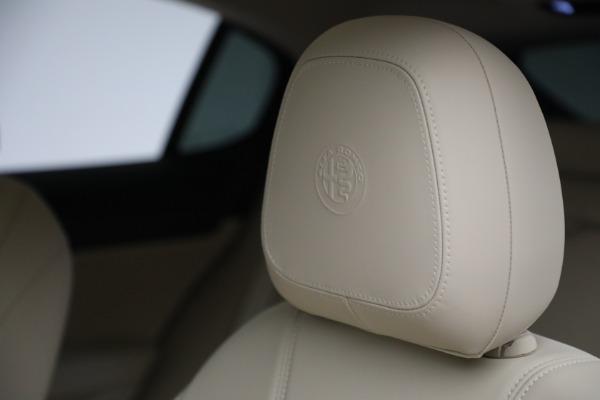 New 2021 Alfa Romeo Stelvio Ti Q4 for sale $57,400 at Alfa Romeo of Westport in Westport CT 06880 18