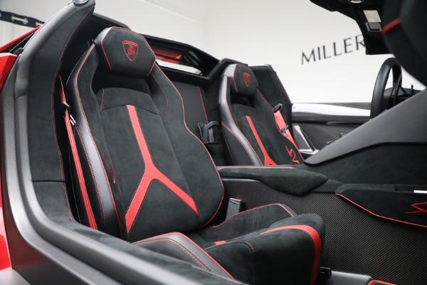 Used 2017 Lamborghini Aventador LP 750-4 SV for sale $599,900 at Alfa Romeo of Westport in Westport CT 06880 24