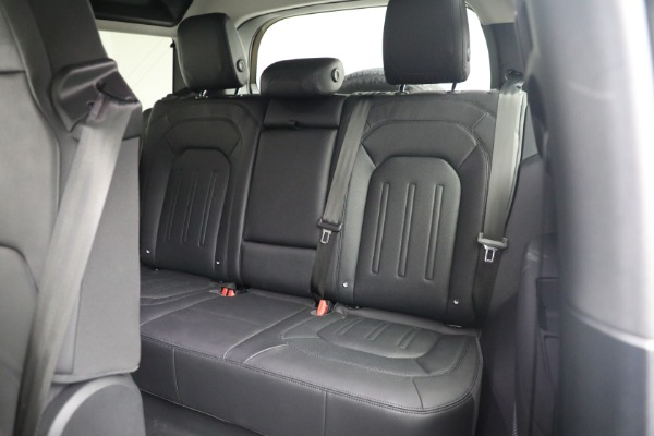 Used 2021 Land Rover Defender 90 First Edition for sale Sold at Alfa Romeo of Westport in Westport CT 06880 19