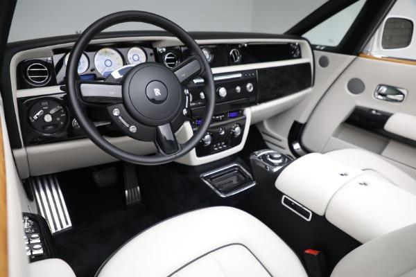 Used 2017 Rolls-Royce Phantom Drophead Coupe for sale $379,900 at Alfa Romeo of Westport in Westport CT 06880 16