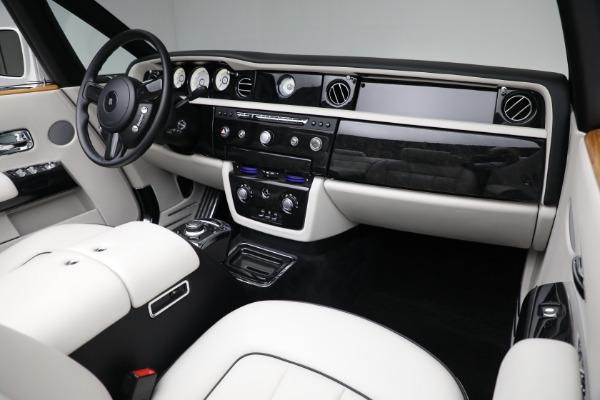 Used 2017 Rolls-Royce Phantom Drophead Coupe for sale $379,900 at Alfa Romeo of Westport in Westport CT 06880 17