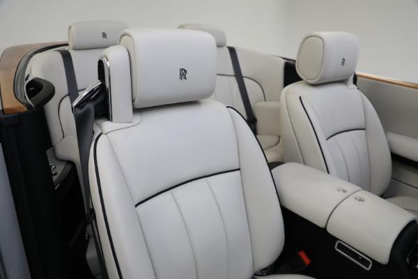 Used 2017 Rolls-Royce Phantom Drophead Coupe for sale $379,900 at Alfa Romeo of Westport in Westport CT 06880 19