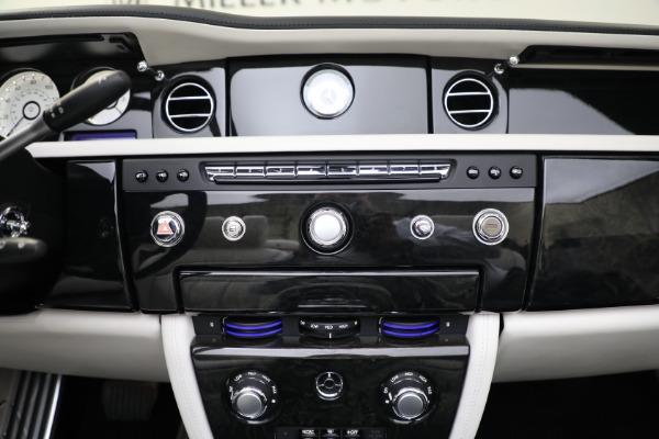 Used 2017 Rolls-Royce Phantom Drophead Coupe for sale $379,900 at Alfa Romeo of Westport in Westport CT 06880 26