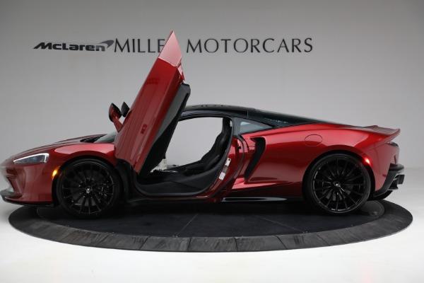 New 2021 McLaren GT for sale $217,275 at Alfa Romeo of Westport in Westport CT 06880 14