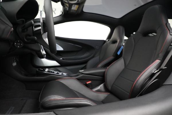 New 2021 McLaren GT for sale $217,275 at Alfa Romeo of Westport in Westport CT 06880 20