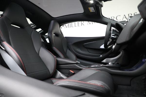 New 2021 McLaren GT for sale $217,275 at Alfa Romeo of Westport in Westport CT 06880 23