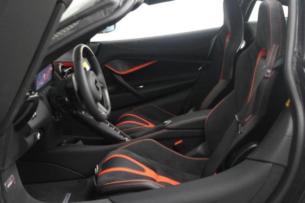 New 2021 McLaren 720S Performance for sale $352,600 at Alfa Romeo of Westport in Westport CT 06880 17