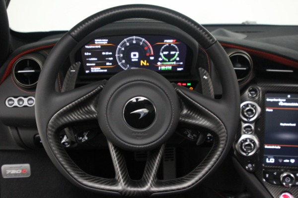 New 2021 McLaren 720S Performance for sale $352,600 at Alfa Romeo of Westport in Westport CT 06880 19