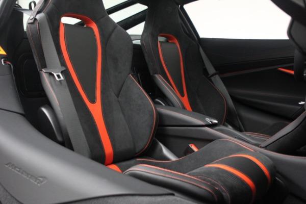 New 2021 McLaren 720S Performance for sale $352,600 at Alfa Romeo of Westport in Westport CT 06880 22