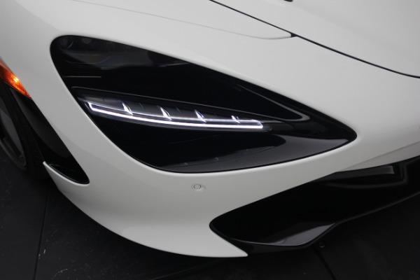 New 2021 McLaren 720S Performance for sale $352,600 at Alfa Romeo of Westport in Westport CT 06880 24
