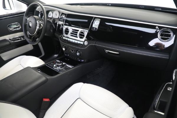 Used 2017 Rolls-Royce Ghost for sale $219,900 at Alfa Romeo of Westport in Westport CT 06880 12