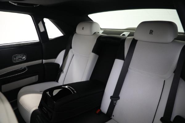 Used 2017 Rolls-Royce Ghost for sale $219,900 at Alfa Romeo of Westport in Westport CT 06880 15