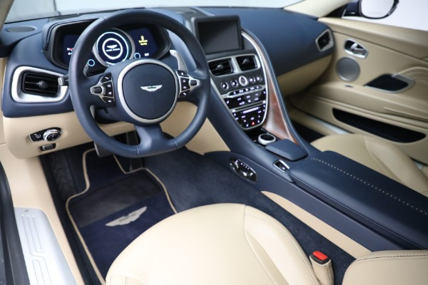 Used 2018 Aston Martin DB11 V12 for sale $164,990 at Alfa Romeo of Westport in Westport CT 06880 14