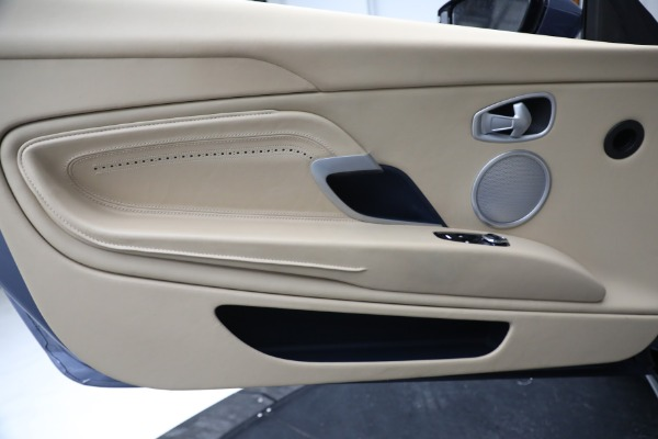 Used 2018 Aston Martin DB11 V12 for sale $164,990 at Alfa Romeo of Westport in Westport CT 06880 18