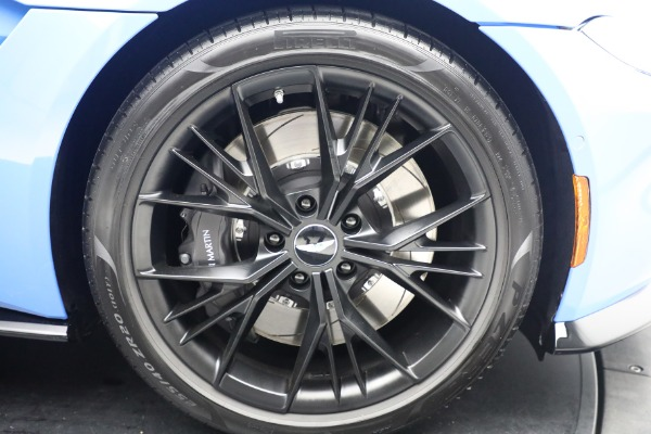 New 2021 Aston Martin Vantage Roadster for sale $186,386 at Alfa Romeo of Westport in Westport CT 06880 24