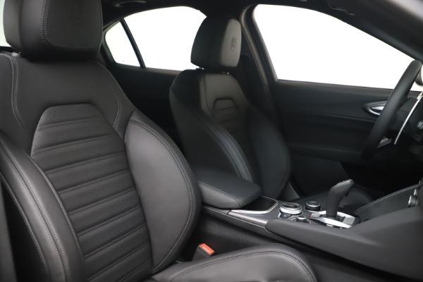 New 2022 Alfa Romeo Giulia Veloce for sale $52,045 at Alfa Romeo of Westport in Westport CT 06880 19