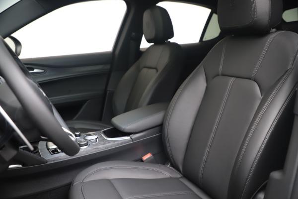 New 2022 Alfa Romeo Stelvio Sprint for sale $52,305 at Alfa Romeo of Westport in Westport CT 06880 15