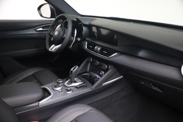 New 2022 Alfa Romeo Stelvio Sprint for sale $52,305 at Alfa Romeo of Westport in Westport CT 06880 18