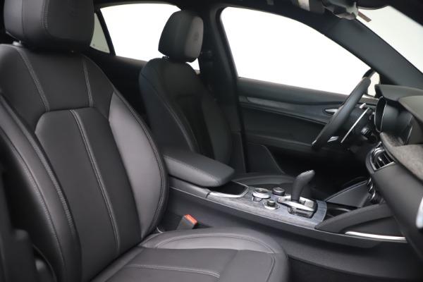 New 2022 Alfa Romeo Stelvio Sprint for sale $52,305 at Alfa Romeo of Westport in Westport CT 06880 20