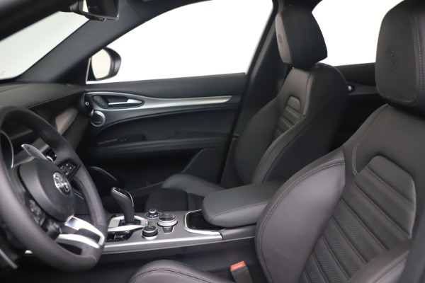 New 2022 Alfa Romeo Stelvio Veloce for sale $57,405 at Alfa Romeo of Westport in Westport CT 06880 14